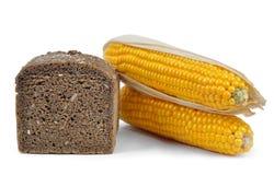 Geheel tarwebrood met graan Stock Foto's