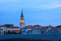 Geheimnis-Abend in der alten Stadt von Budva Montenegro, Balkan, Europa Lizenzfreie Stockfotos