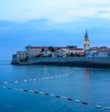 Geheimnis-Abend in der alten Stadt von Budva Montenegro, Balkan, Europa Stockfoto