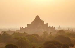 Geheimnis Bagan im Sonnenuntergang, Myanmar Stockbilder