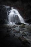 Geheimnisvoller Wasserfall Stockfoto