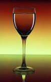 Geheimnisvolles Glas mit Wein Lizenzfreies Stockfoto