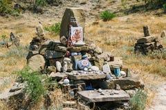 Geheimzinnige stenen bij Kaap Meganom, de oostkust van het schiereiland van de Krim Tekens van godsdienstconcept royalty-vrije stock afbeeldingen