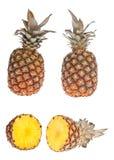 Gehele en halve ananas Stock Afbeeldingen