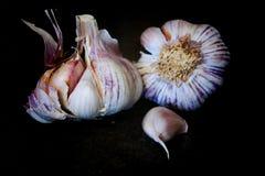 Gehele garlics twee Royalty-vrije Stock Foto's