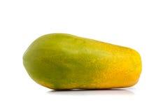Gehele papajavruchten op wit Stock Foto
