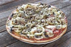 Gehele pizza Royalty-vrije Stock Afbeelding