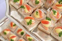 Gehele tarwesandwich met garnalen op bovenkant 1 Royalty-vrije Stock Fotografie