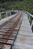 Gehen die alte Trainerstraße Bahnbrücke in Ohakune Stockfoto