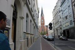 Gehen in die Straßen von Wien lizenzfreie stockbilder