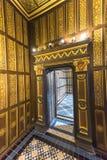 Gehen durch die Räume des Chateaus Blois Lizenzfreie Stockfotos