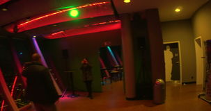 Gehen durch Restaurant der Spitze 180 in Rheinturm an stock footage