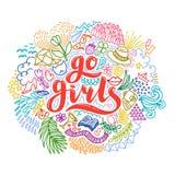 Gehen Mädchen handrawn Beschriftung mit bunten Blumen Mädchen-Energie feminismus Getrennt auf weißem Hintergrund Zitatdesign Lizenzfreies Stockbild