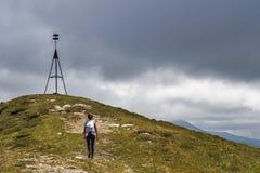 Gehen in Richtung zum Gipfel lizenzfreie stockfotografie