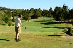 Gehen Sie Golf zu spielen stockbild
