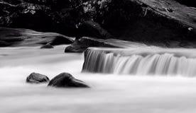 Gehen Sie mit dem Fluss lizenzfreie stockfotografie