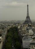 Gehen vor Notre Dame Lizenzfreie Stockfotografie