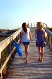 Gehen zum Strand lizenzfreie stockbilder