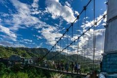 Gehende Brücke stockfoto