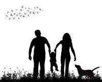Gehende Familie Lizenzfreie Stockfotos