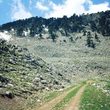 Gehende Feiertage auf der Lycian-Weise, die Türkei Straße in den hohen Bergen Stockfoto