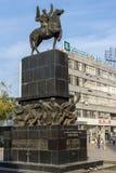 Gehende Leute an König Milan Square in der Stadt von Nis, Serbien Stockfoto