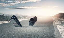 Gehende Schuhe stockbild