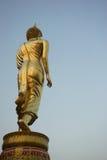 Gehender Buddha Lizenzfreie Stockfotos