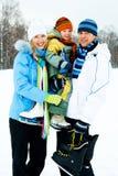 Gehender Eiseislauf der Familie stockfoto