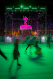 Gehender Eiseislauf der schönen Frau Carcassonne frankreich Stockbild