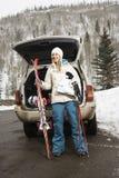 Gehendes Skifahren der Frau. Lizenzfreies Stockbild