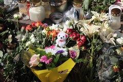 Geheugen van slachtoffers van de aanval van Noorwegen bij eiland Utoya stock afbeeldingen