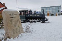 Geheugen van voltooiing van de Yukon-spoorweg in Carcross royalty-vrije stock foto