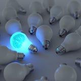 Gehirn des Metall 3d und wachsende Glühlampe stockbild