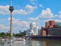 Gehry Bauten в Германии в Duesseldorf, здесь белом здании стоковые изображения
