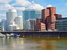 Gehry Bauten в Германии в Duesseldorf, здесь белом здании стоковое фото