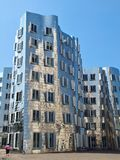 Gehry de plata Bauten en Alemania en Duesseldorf, aquí el edificio blanco foto de archivo