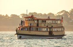 Gehuwd het worden op een boot in Sydney Harbour royalty-vrije stock foto's