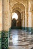 Gehweg in der Moschee Hassan II, Casablanca, Marokko Lizenzfreie Stockfotos