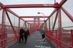 Gehweg der Williamsburg-Brücke in New York City Lizenzfreie Stockbilder