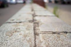 Gehweg hergestellt von den Ziegelsteinen Lizenzfreie Stockfotos