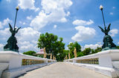 Gehweg im Knall-Schmerz-Palast, Ayuthaya, Thailand Lizenzfreie Stockfotografie