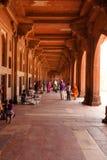 Gehweg um Fatehpur Sikri in Indien Lizenzfreie Stockbilder