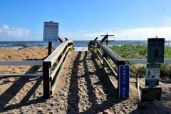 Gehweg, zum in St Augustine auf den Strand zu setzen Stockbild