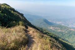 Gehweg zum Standpunkt auf dem Berg Chiang Mai, Thailand Stockbilder