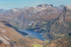 Geiragerfjord от Dalsnibba стоковое изображение