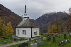 Geiranger教会在秋天,Geiranger,挪威 免版税库存照片