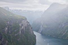 Geiranger в конце Sunnylvsfjorden, Норвегии Стоковое Изображение RF