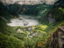 Geiranger从小山的海湾视图 库存照片