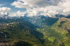 Geiranger fjord, sikt från det Dalsnibba berg Fotografering för Bildbyråer